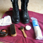 Bolea tus zapatos como un soldado